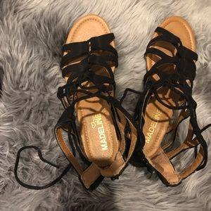 Black Madeline Girl Sandals!!